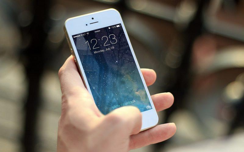 Je gloednieuwe telefoon nieuw houden