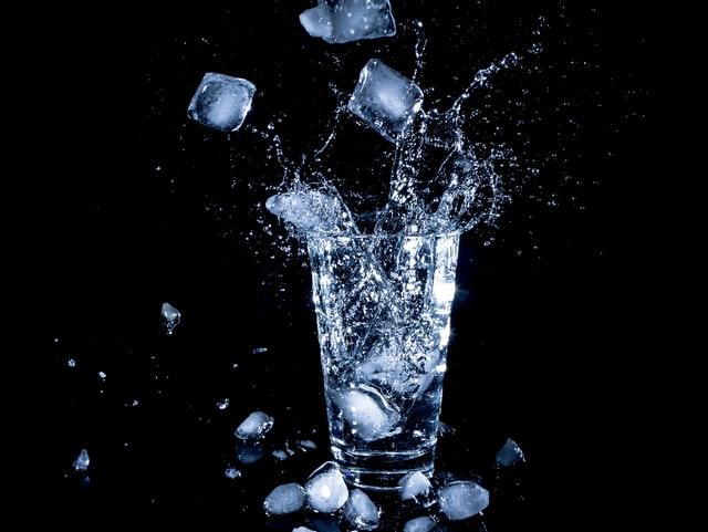 Wat is het gezondst: Bruisend water of plat water?